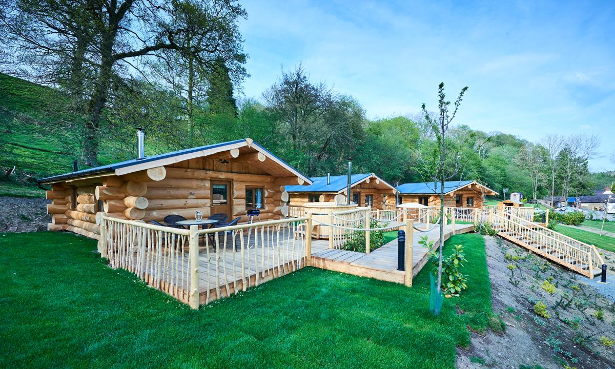 MOUNTAIN EDGE SHROPSHIRE LOG CABINS LOG ACCOMMODATION - log cabins shropshire